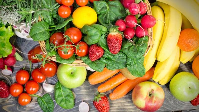 Svenska Livsmedelsverket rekommenderar i dag vuxna och barn över tio år att äta cirka 500 gram frukt och grönt varje dag.