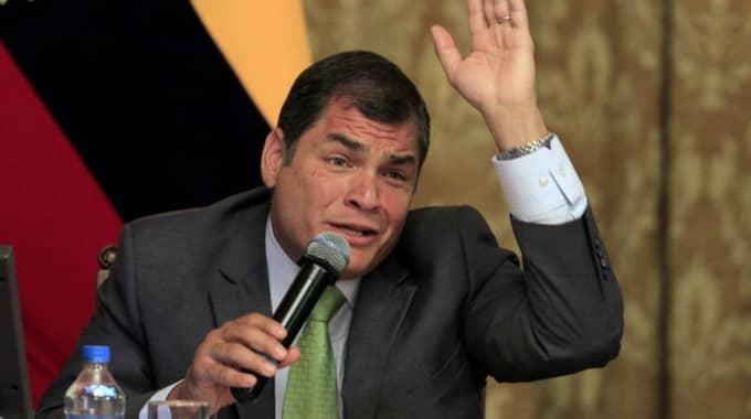 Ecuadors president Rafael Correa har tidigare sagt att Sverige ska få förhöra Assange. Foto: Dolores Ochoa/ AP