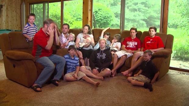 När familjen med tretton söner väntade tillökning satt alla på nålar...