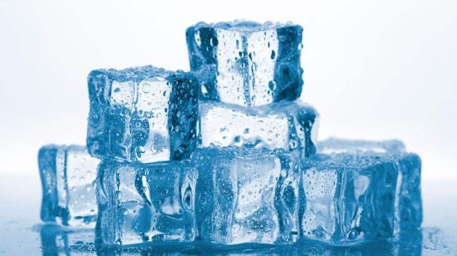 """Upprepade behandlingar av """"isbitsmetoden"""" kan lindra stress, sömnsvårigheter och huvudvärk."""