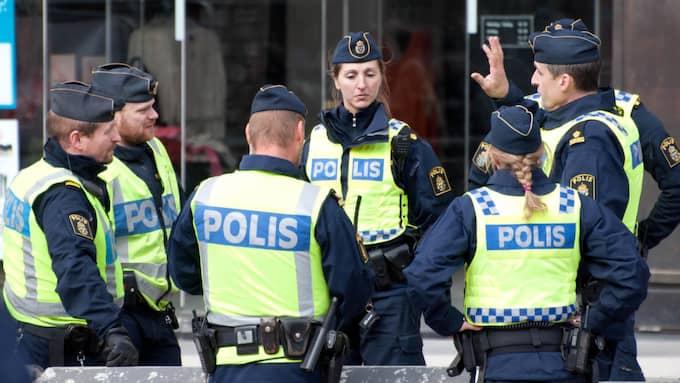 Polisens insats vid Drottninggatan på fredagen har hyllats. Foto: Henrik Isaksson / /IBL