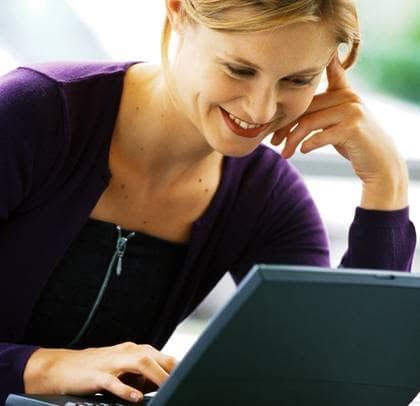 Gladare med snabb dator. Foto: COLOURBOX