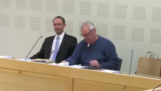 Lennart Ekstrand, th, dömdes i både tingsrätt och hovrätt för mord efter att han skjutit ihjäl sin fru Pia med hagelgevär. Till vänster försvarsadvokaten Carl-Owe Olsson. Foto: Carolina Larsson
