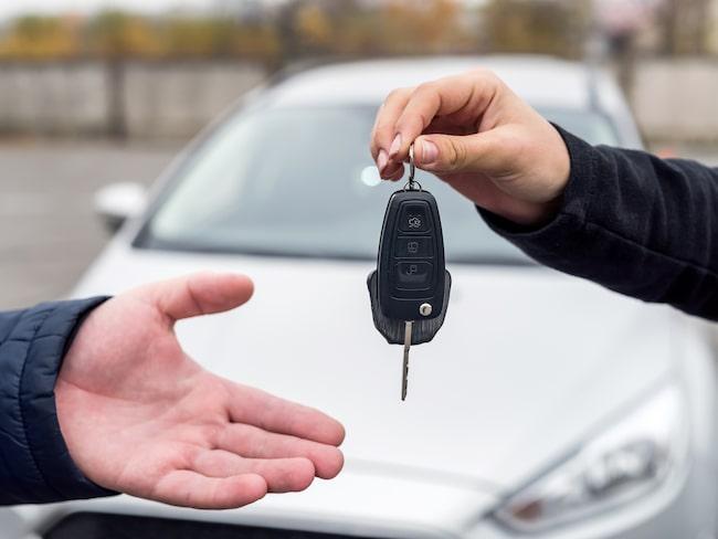 Det finns flera sätt att sälja din bil. Vilket passar dig bäst?