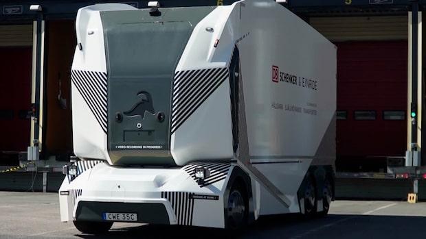 Världspremiär av självkörande lastbil på allmän väg