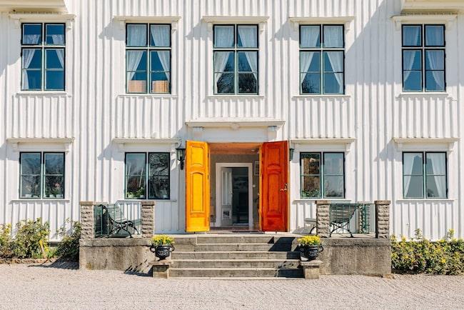 Boendet på två plan är på 550 kvadratmeter och har 13 rum.
