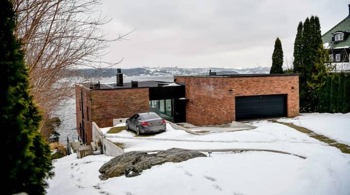 Dyrast 2016: Den här 253 kvadratmeter stora villan på Lidingö har en lätt futuristisk aura och gick för 50 miljoner kronor i fjol. Den storslagna havsutsikten ingick i priset. Foto: ALEX LJUNGDAHL / EXPRESSEN