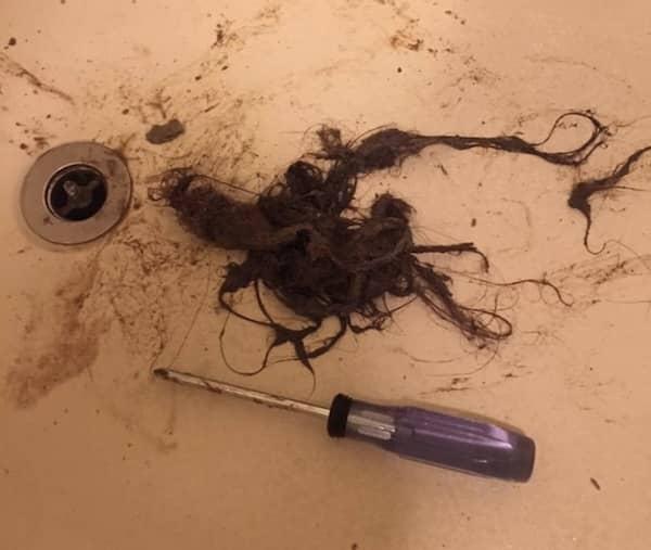 hur mycket hår tappar man i duschen