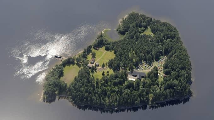 Flygfoto av Utøya, taget dagen före attentatet. Foto: LASSE TUR / AP MAPAID
