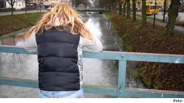 GLÖMMER ALDRIG. 24-åriga Mariana våldtogs av ägaren på en svartklubb i Malmö. Mariana anmälde och våldtäkten och den 53-årige klubbägaren dömdes mot sitt nekande till tio månaders fängelse. Det här är inget man flömmer, det kommer att hänga med så länge jag lever, säger Mariana.