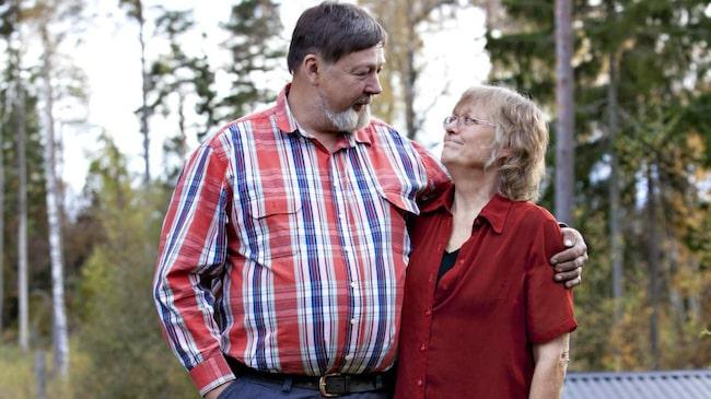 """Lars och Helena Nyström lyckades, med hjälp av parterapi, hitta tillbaka till varandra igen. """"Vi har det fint i dag"""", säger Helena."""