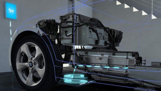 Bilens batterier laddas genom induktiv laddning – som en eltandborste.