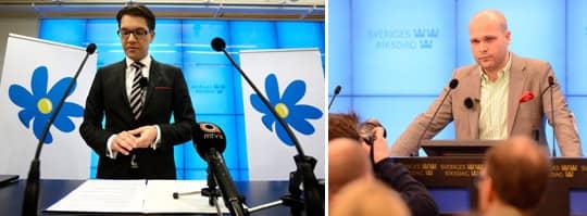 """Först höll Jimmie Åkesson presskonferens. I bakgrunden syntes Sverigedemokraternas partiblomma. Sedan vad det Erik Almqvists tur att möta pressen. Men då utan partiblomma. """"Det var inte genomtänkt"""", säger SD:s pressekreterare Linus Bylund. Foto: OLLE SPORRONG / FREDRIK PERSSON/SCANPIX"""