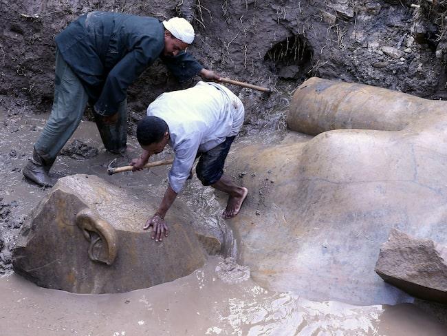 Fyndet hittades under en gata i stadsdelen Matariya i östra Kairo.