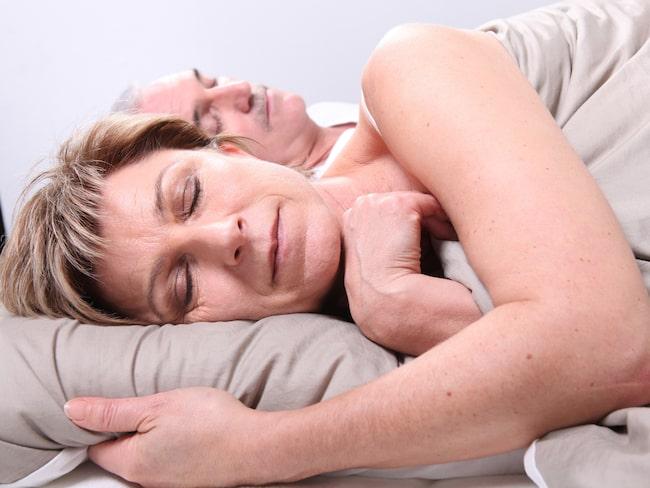 Uppemot hälften av alla svenskar över 50 år kan uppleva det ständiga nattkissandet som ett problem. Gör man det bör man söka vård, menar läkaren Lars Malmberg.