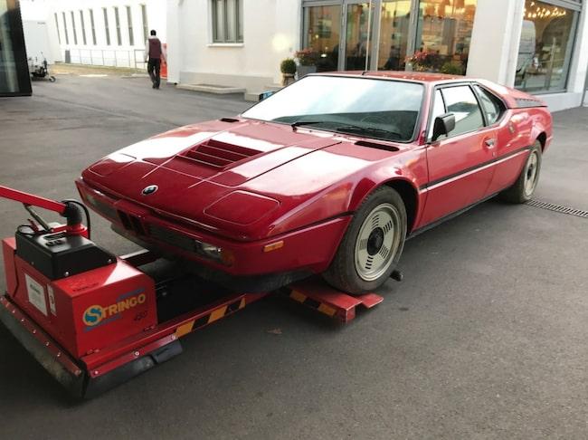 Nu arbetar Mint Classics med att återställa bilen till sin forna glans.