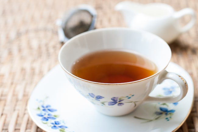 """""""En bättre lösning är att värma vattnet i mikrovågsungen"""" säger Storbritanniens ledande te-experter"""