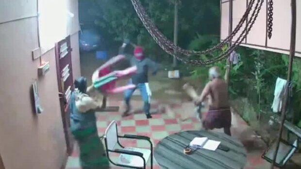 Äldre parets svar – när machete-rånarna går till attack