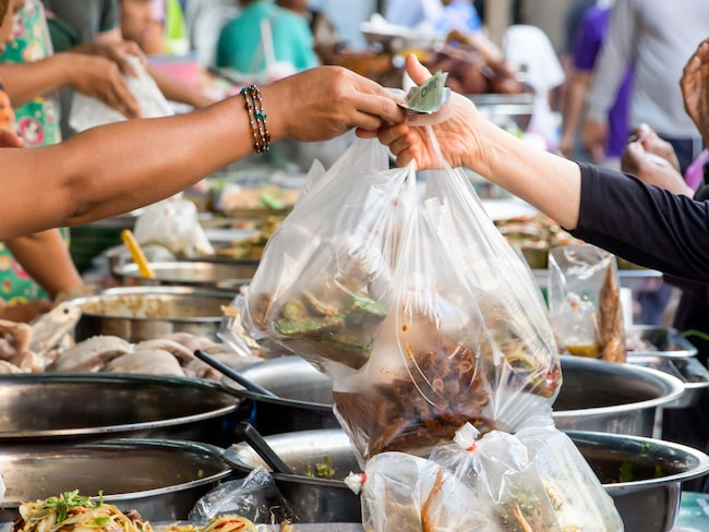 76 miljarder plastpåsar är i omlopp i Thailand varje år.