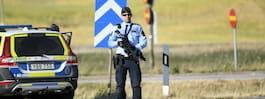 JUST NU: Hemlig insats - polis med tunga vapen