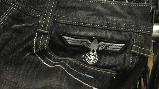 Second hand-butik sålde shorts med hakkors på