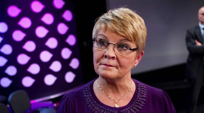 MAKTKAMP. Förödande kritik gör att Maud Olofsson sitter löst som centerledare. Fienderna inom partiet förbereder myteri men Olofsson svarar med att stärka sina egna favoriter. Foto: Sven Lindwall