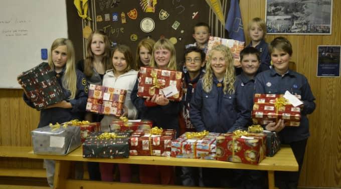 Scouterna i Borlänge var stolta över sina paket till barnhemsbarnen.