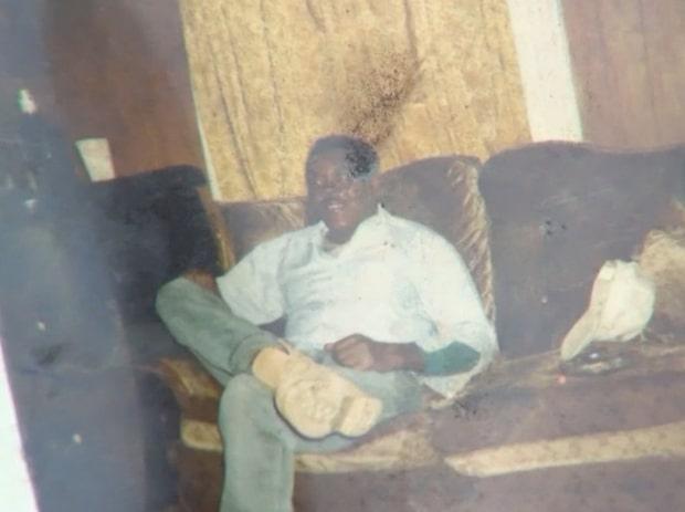 Familjen skulle ta farväl av sin döda släkting - i kistan låg en okänd man