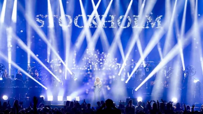 Det finns ingen röd tråd med konserten förutom att Céline Dion sjunger sina stora hits. Foto: MAGNUS LILJEGREN / STELLA PICTURES MAGNUS LILJEGREN