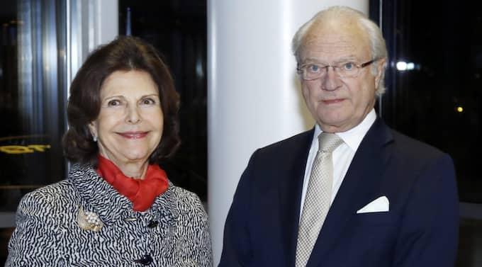 Drottningen och kungen. Foto: PATRIK C ÖSTERBERG / IBL/IBL PATRIK C ÖSTERBERG /