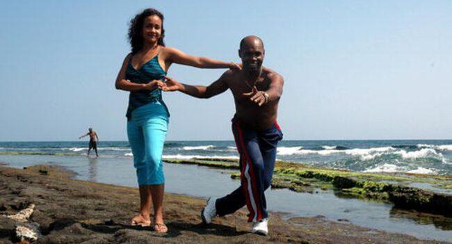SALSARESA TILL KUBA. Didio och Cecilia var två av alla de danslärare som höll i taktpinnen under salsaresans första vecka i det heta och oförglömliga Santiago de Cuba. FOTO: BJÖRN ANDERSSON