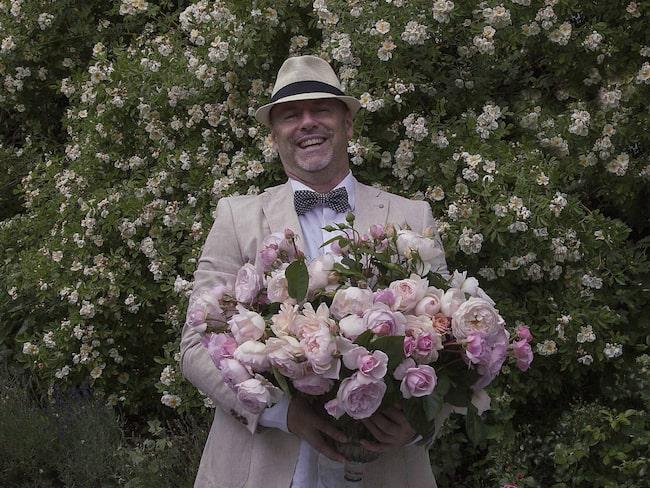 Håkan Gidestrand driver Sveriges största rosenträdgård.