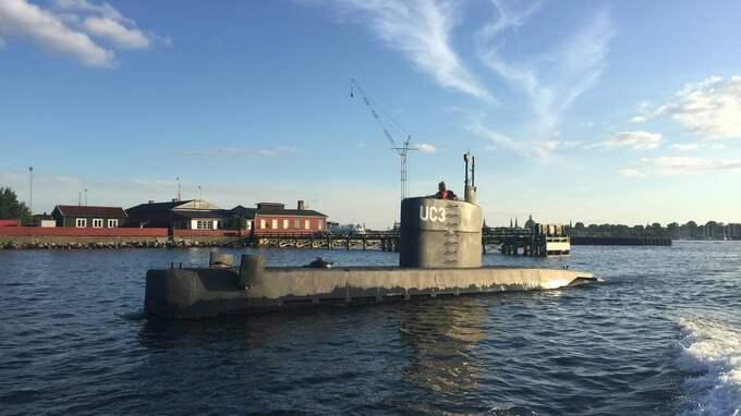 Sista spåret efter den svenska journalisten – en bild som togs när ubåten lämnade hamnen. Foto: Anders Valstedt
