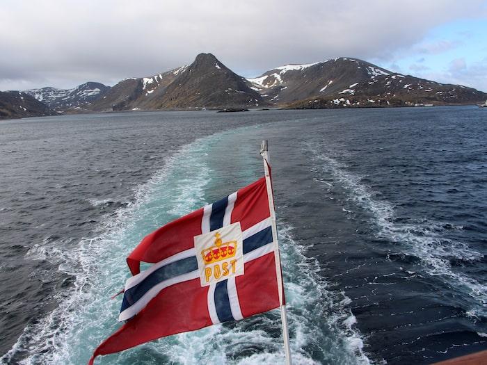 Resan från Kirkenes började med storm.