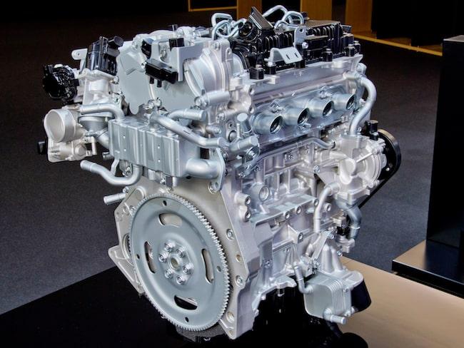 Den första motorn som Mazda visade med den nya tekniken, Skyactiv-X.