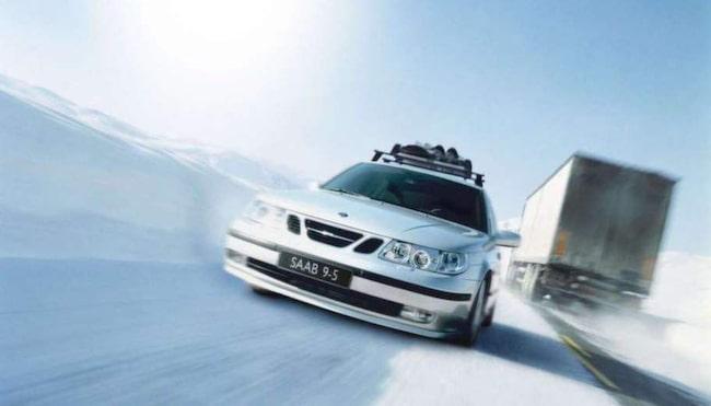 LÅNGKÖRARE. Saab har gått i graven, men bilarna rullar än – och de rullar långt!