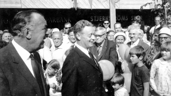 Prins Bertil inviger miljonprogrammet i Skärholmen 1968 Foto: THOMMY FJÄLLBORG / SVENSKA BOSTÄDER