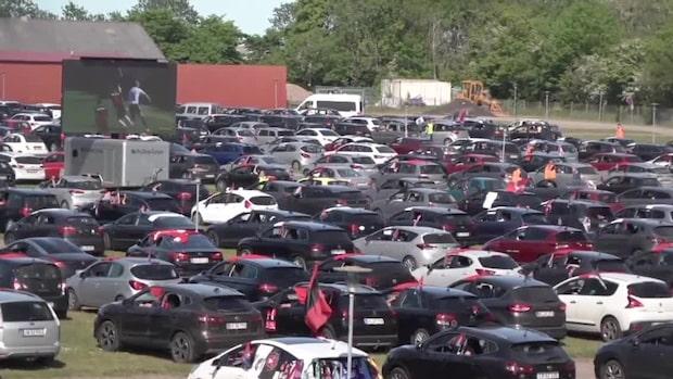 Galna danska lösningen –2000 bilar utanför arenan