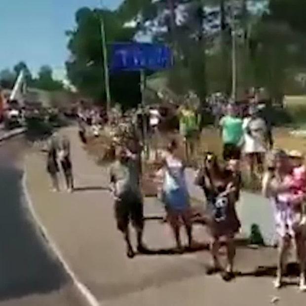Här hyllas de polska brandmännen