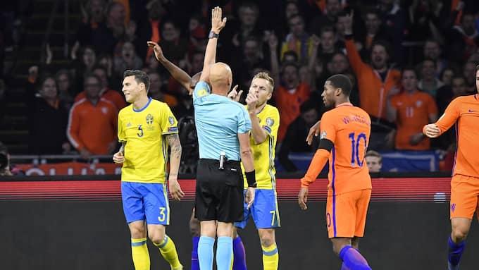 Victor Nilsson Lindelöf orsakade straffen som gav Holland ledningen i matchen. Foto: JONAS EKSTRÖMER/TT / TT NYHETSBYRÅN