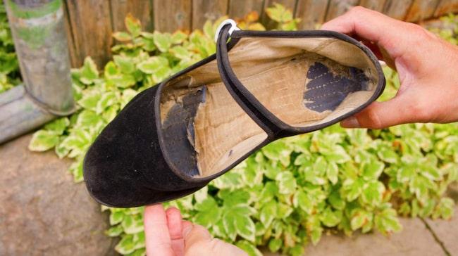 Ser dina skor ut ungefär så här? Och stinker desto mer? Då är de här tipsen till dig.