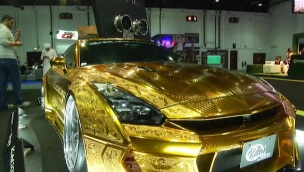 Här är bilen som är lackad med äkta guld