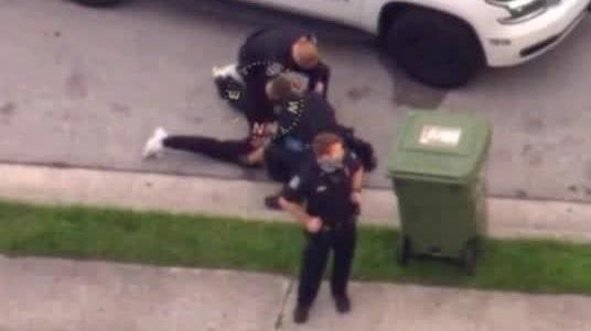 Nytt polisingripande väcker ilska – polis avstängd