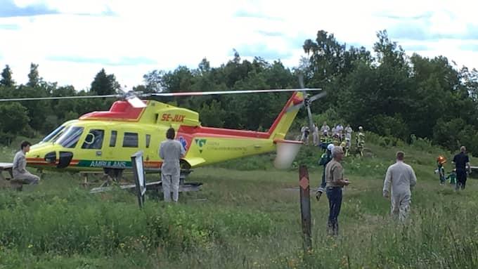 Larmet om den störtade skärmflygaren nådde polis, räddningstjänst och ambulans vid klockan 12.44 på tisdagen. Foto: Christian Svensson