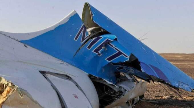 Egyptiska myndigheter har släppt bilder på flygplanet från olycksplatsen. Foto: AP