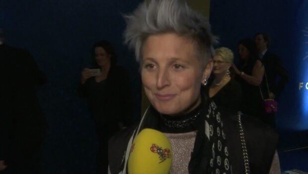 """Tv-profilen om blåa håret: """"Tar inget ansvar"""""""