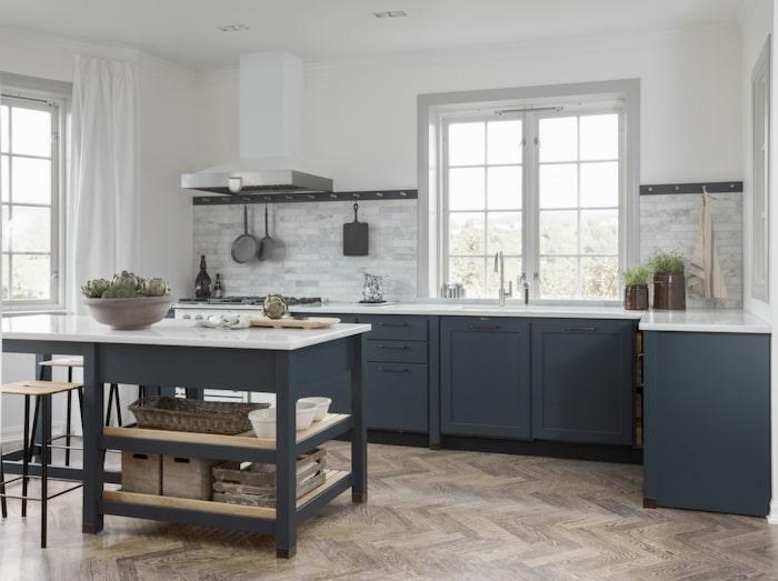 Kvänums kök Cool classic finns nu i den blågröna nyansen Hav. Köket  snickras på plats. 976a18f60af76