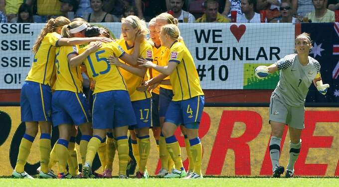 Svenska damfotbollslandslaget. Foto: Christof Koepsel