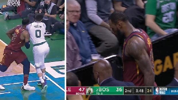 Här får LeBron en smäll mot huvudet