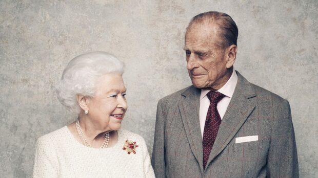 Drottning Elizabeth och prins Philip firar järnbröllop
